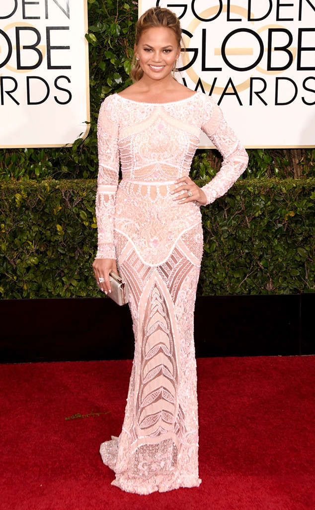 rs_634x1024-150111152011-634.Chrissy-Teigen-Golden-Globes.jl.011115